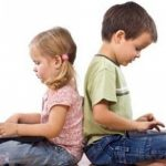 WASPADA, Berikut Bahaya Games Online Pada Anak