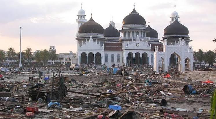 gempa bumi dan tsunami aceh salah satu peristiwa paling mengerikan dalam sejarah indonesia