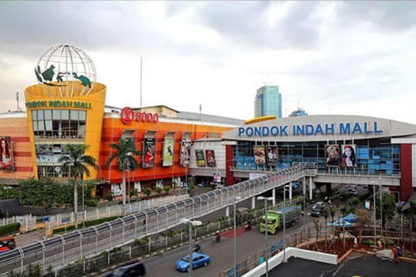 salah satu mall terbesar di jakarta yaitu pondok indah mall